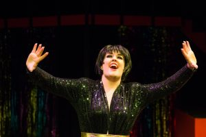 Ashley Roy as Liza Minnelli.